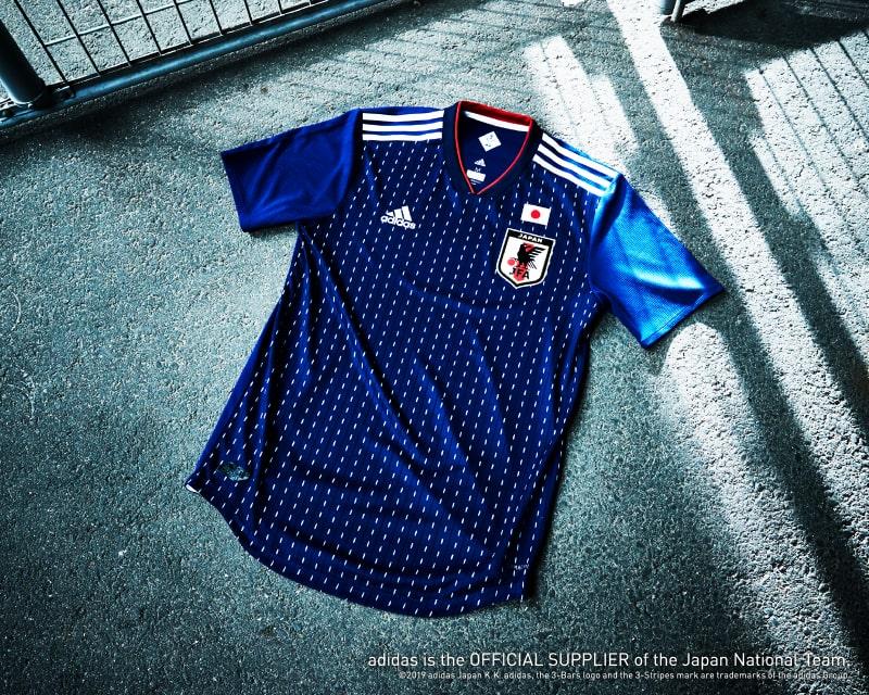 サッカー日本代表 ホームユニフォーム